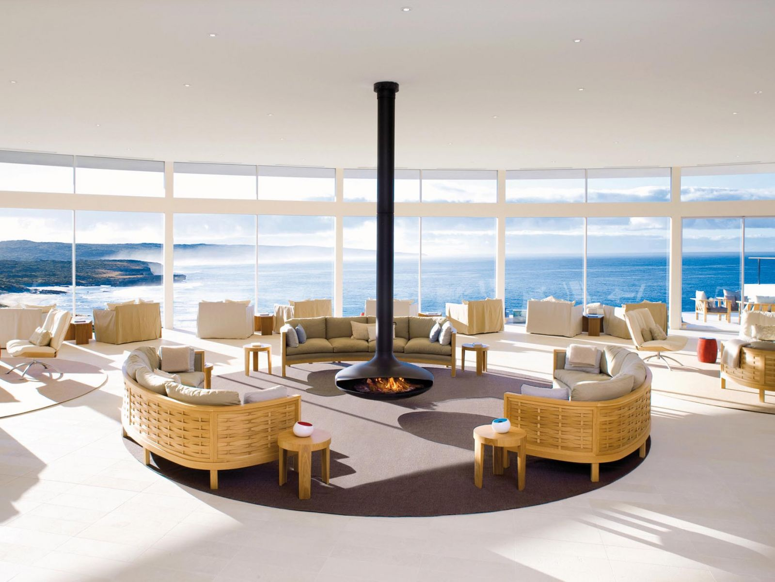 belles chemin es design lyon en rhone alpes chemin e installateurs et vendeurs marseille. Black Bedroom Furniture Sets. Home Design Ideas